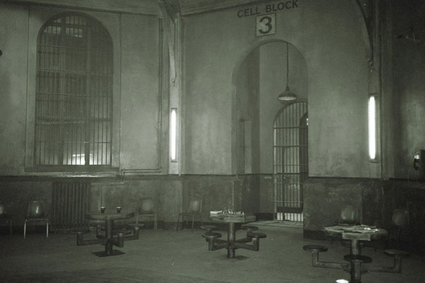 2005-Revelations-11-Cell-Block